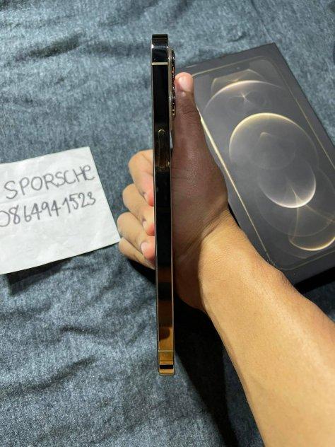 ขายiphone12promaxราคา33900สี ทอง64GBเครื่องไทยสภาพสวยเลยเปอครบกล่องประกัน8เดือน picture